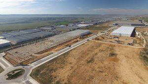 Ayuntamiento de Cabanillas y Mixer&Pack formalizan ante notario la venta de la parcela del SI-20 donde irá una nueva fábrica