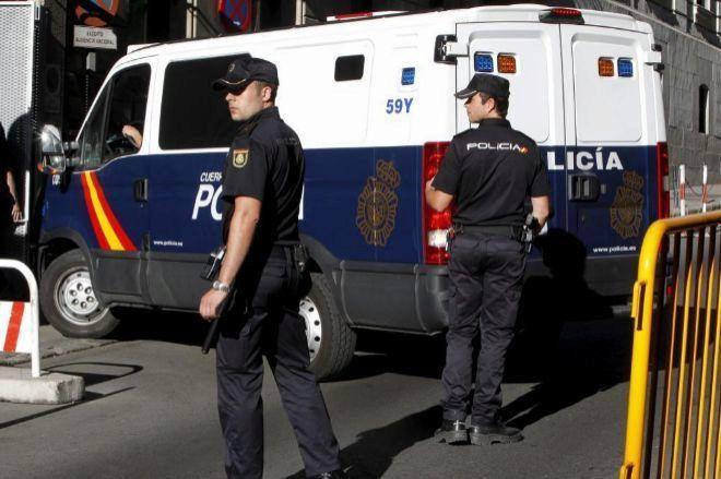 Detenidos dos individuos por robar a un hombre tras sacar dinero en el cajero.... Y eran conocido suyos