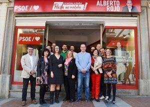 El PSOE abre una oficina en la calle Mayor desde donde Alberto Rojo y su equipo escucharán las propuestas de la ciudadanía