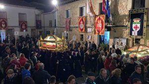 El Vía Crucis interparroquial congrega a feligreses de 26 pueblos en Fuentenovilla