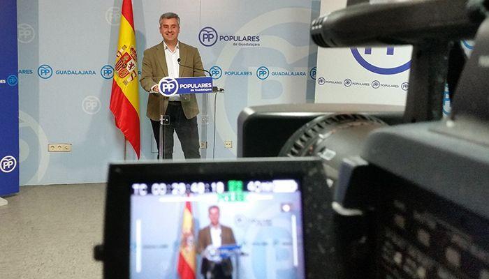 Esteban advierte que el PP es la única alternativa a un PSOE que destruye empleo y que quiere romper España