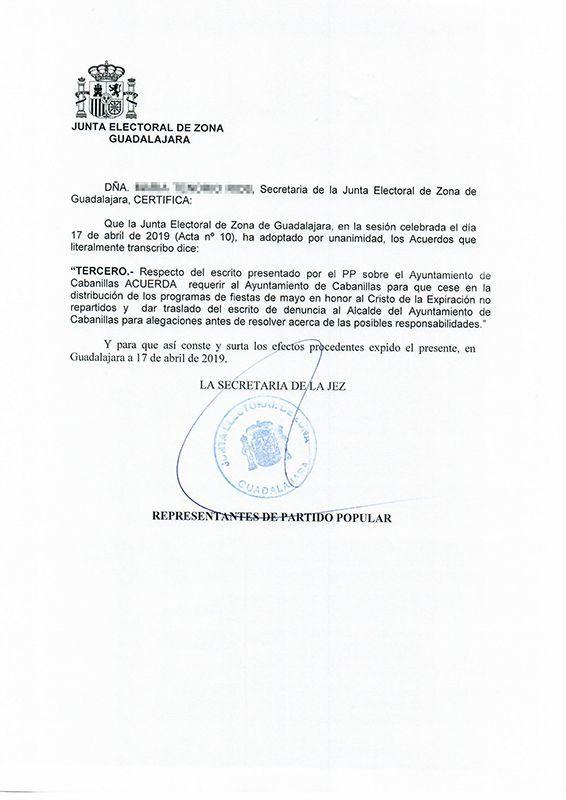 La Junta Electoral obliga a Salinas a retirar el programa de las fiestas de mayo por hacer propaganda en él