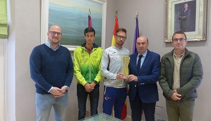 Latre felicita al Club de Atletismo Unión Guadalajara proclamado Campeón de España de Media Maratón