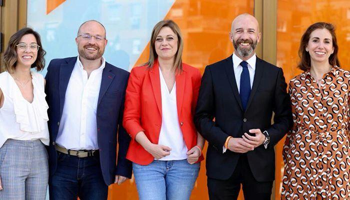 """Ciudadanos presenta a un equipo de candidatos a las Cortes regionales """"llenos de frescura, ilusión y talento"""""""