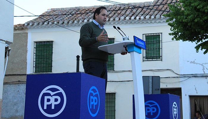 Núñez anuncia su compromiso para reducir las listas del espera sanitaria de la región en un 50% en sus seis primeros meses como presidente de la Junta