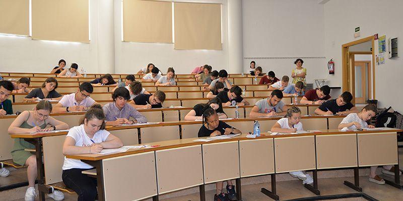 El 95,94 % de los alumnos aprueba la EvAU en el distrito universitario de Castilla-La Mancha