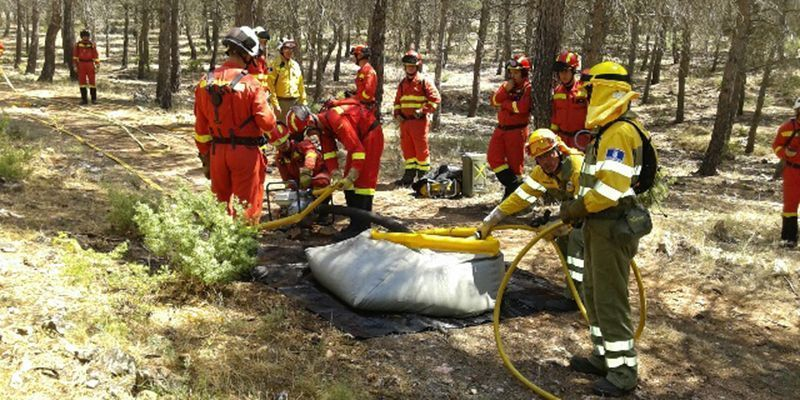 El Gobierno de Castilla-La Mancha envía cuatro medios aéreos y 12 profesionales para colaborar en la extinción del incendio forestal de Tarragona