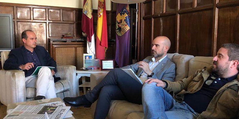 El Colegio de Aparejadores y el Ayuntamiento de Guadalajara colaborarán en materia de obras, licencias y en la modificación del PGOU