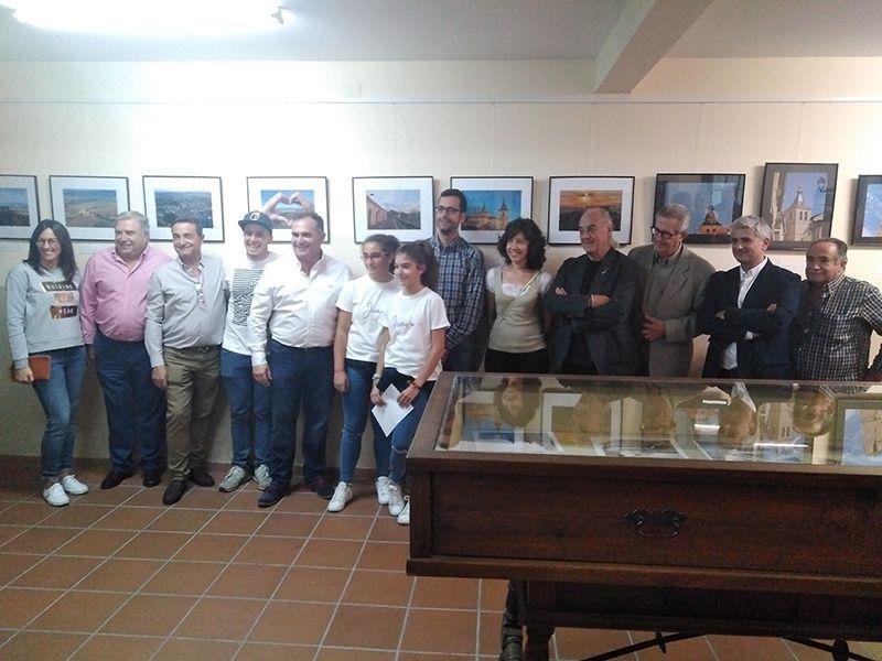 """""""Esperándote"""", una fotografía de la estación de ferrocarril con el Castillo al fondo, gana el I Concurso """"Jadraque Ilusiona"""""""