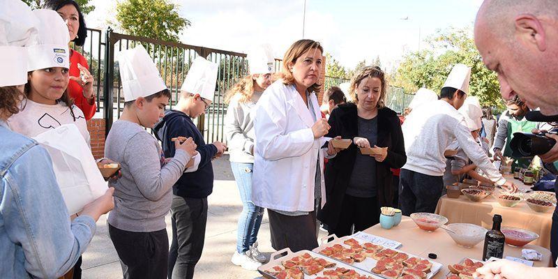 El Gobierno regional tiene como objetivo fomentar entre el alumnado los hábitos de consumo saludables tanto en la alimentación como en el deporte