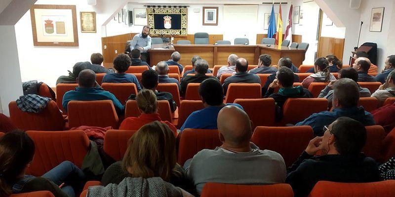 Más de 40 agricultores se interesan por los cultivos ecológicos en una charla organizada por el Ayuntamiento de Sacedón
