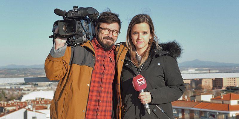 Lukasz Filar y Noemí Fraile, ganadora del premio de periodismo José de Juan 2019 de la Diputación de Guadalajara