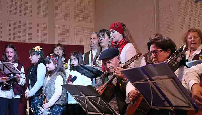 Tamajón suena a Navidad en el VII Certamen de Villancicos de la villa