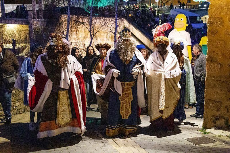 La tradicional Cabalgata de los Reyes Magos puso fin a la Navidad trillana un año más