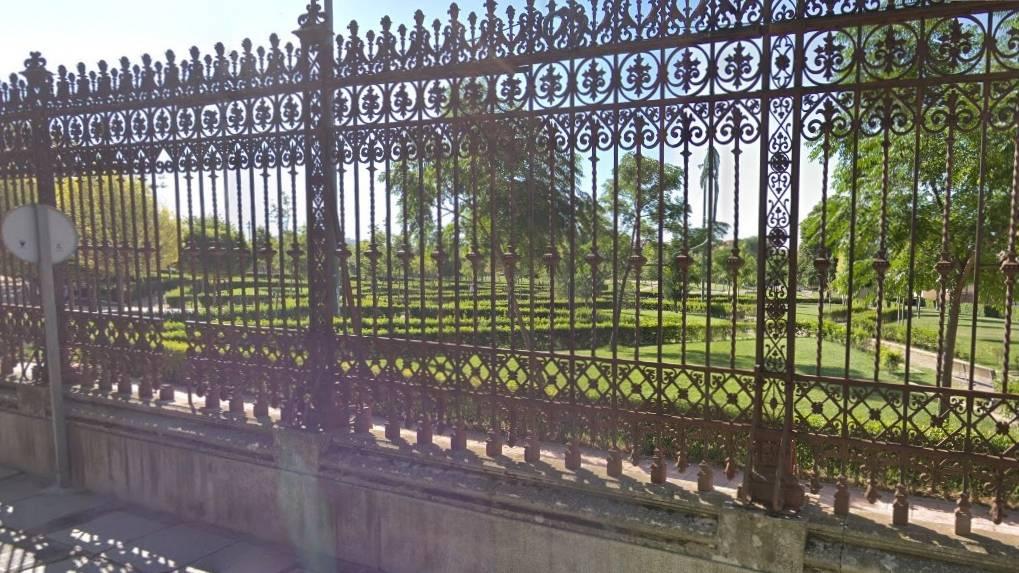 La UTE adjudicataria de las obras de la verja del Panteón de la Condesa de la Vega del Pozo requiere tres meses de ampliación de plazo