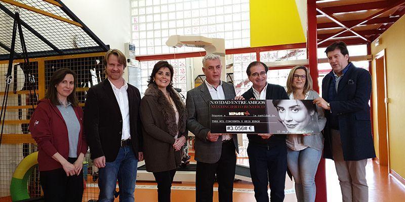 El presidente de la Diputación de Guadalajara, José Luis Vega, se pone al servicio de la Fundación NIPACE