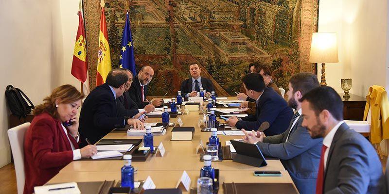 El Gobierno de Castilla-La Mancha garantiza la prestación de servicios protegiendo la salud del personal empleado público