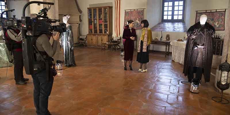 'Maestros de la Costura' celebra esta noche su semifinal viajando a la Edad Media para vestir a dos damas de la Corte de Castilla, en Sigüenza
