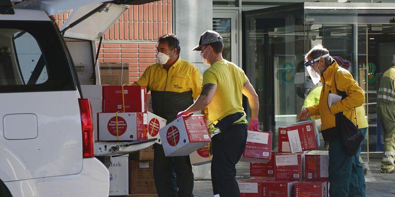 El Gobierno de Castilla-La Mancha realiza un nuevo envío de más de 203.000 artículos de protección para los profesionales sanitarios y 9.400 test rápidos