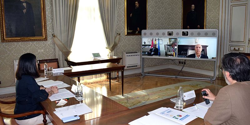 Carolina Darias y Juan Alfonso Ruiz Molina abordan en una reunión bilateral el proceso de desescalada y la situación del empleo público en Castilla-La Mancha