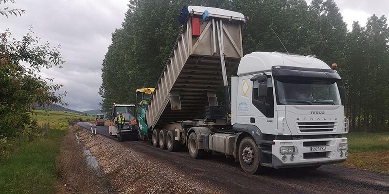 Comienzan las obras que el Gobierno regional acomete para mejorar la carretera que une Riba de Saelices y Huertahernando