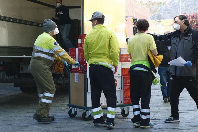 El Gobierno de Castilla-La Mancha ha distribuido más de once millones de artículos de protección para los profesionales sanitarios