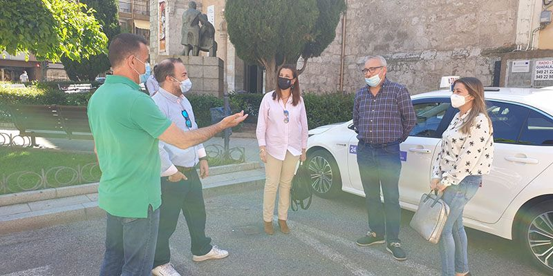 El Grupo Popular reclama apoyo y medidas concretas del Ayuntamiento para los taxistas de Guadalajara