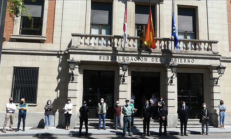 El subdelegado del Gobierno expresa el sentir de toda la sociedad de Guadalajara por los fallecidos por la COVID-19