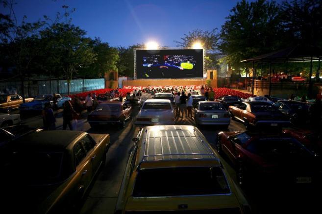 El Ayuntamiento de El Casar poner en marcha un autocine todos los viernes y sábados del mes de julio