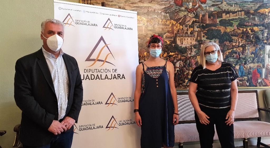 La Diputación de Guadalajara creará un fondo fotográfico de familias del medio rural de la provincia