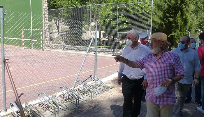 José Luis Vega se reúne en Caspueñas con alcaldes de la comarca del valle del Ungría
