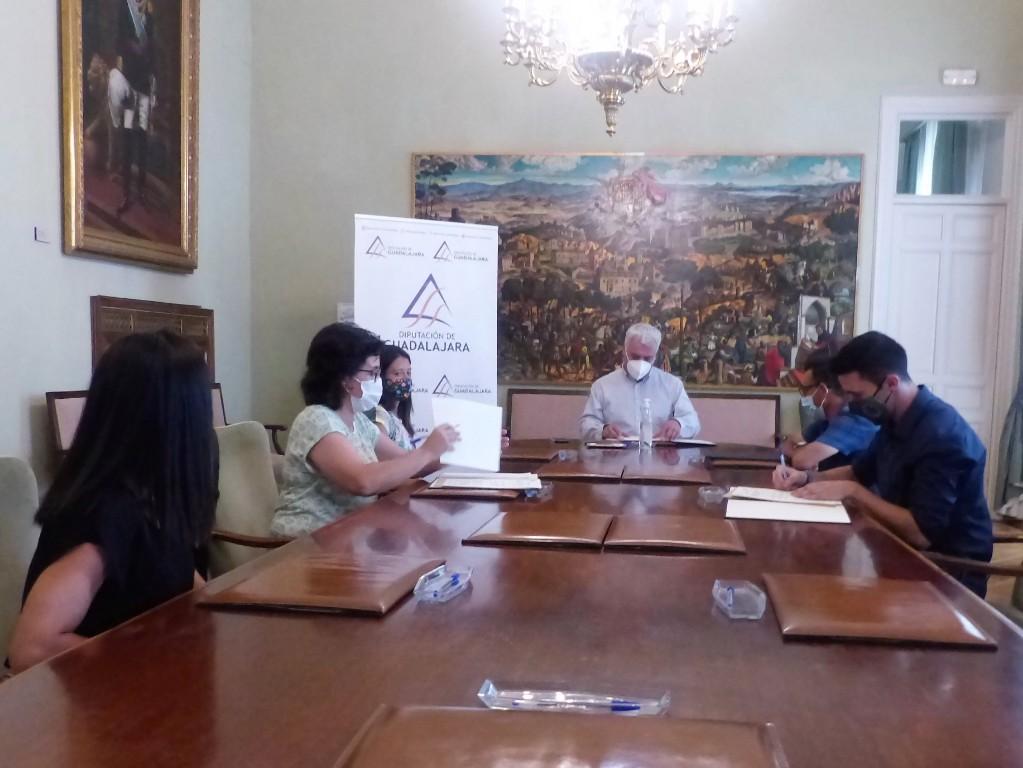 La Diputación de Guadalajara destina 76.400 € a fomentar el deporte en la provincia a través de convenios con 11 clubes
