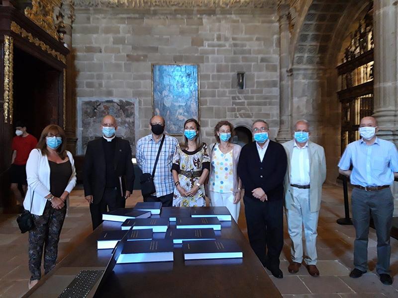 Patxi García Garmilla hace entrega al Cabildo de su investigación musical acerca de Francisco Corral y Alejo Martínez