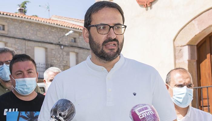 """Sergio Gutiérrez desde Alcolea """"Lo que vamos a hacer desde el Gobierno es blindar por Ley los servicios del medio rural contra los recortes del PP"""""""