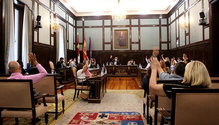 Todos los grupos políticos de la Diputación de Guadalajara se unen en defensa del transporte a las zonas rurales de la provincia