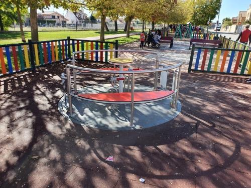 Cabanillas también decide volver a cerrar las pistas y juegos infantiles de los parques municipales..., y el colegio a la vuelta de la esquina