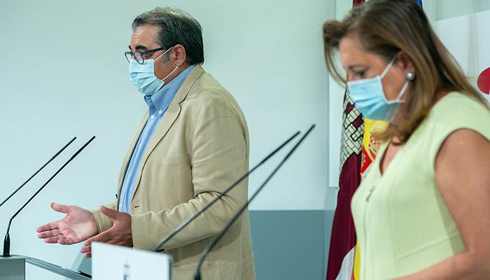 El Gobierno de Castilla-La Mancha realiza un llamamiento a la responsabilidad social para que las personas que tengan síntomas de COVID no salgan a la calle