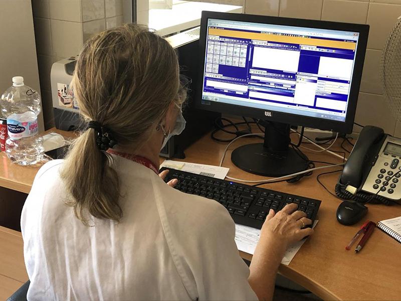 El Servicio de Salud de Castilla-La Mancha vuelve a incorporar los informes de enfermería al alta y de continuidad de cuidados en la historia clínica de sus pacientes