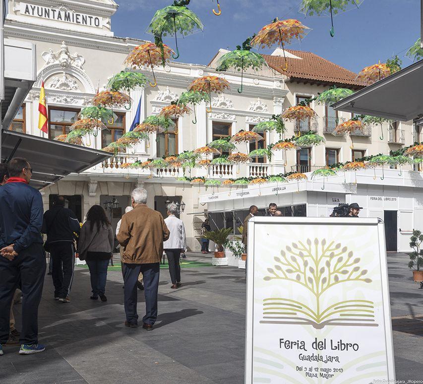 Guadalajara suspende las ferias del Libro y de la Artesanía con el fin de evitar riesgos para la salud pública por el COVID-19