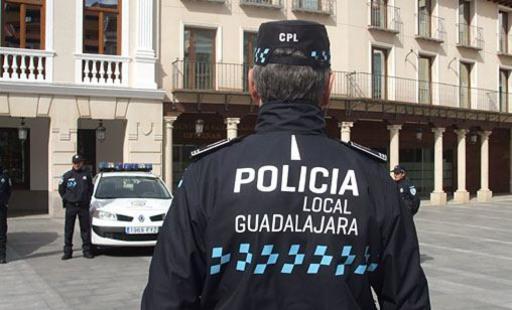 La Policía Local de Guadalajara intensifica las inspecciones a locales de ocio e interpone 46 denuncias por incumplimiento en el uso de la mascarilla