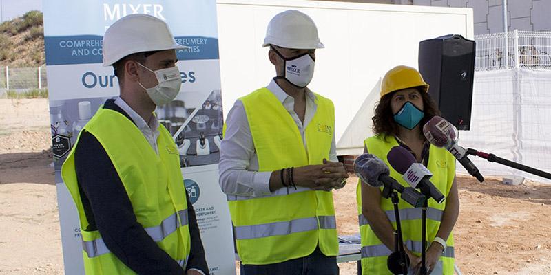 Mixer & Pack inaugura las obras de su nueva planta de fabricación en Cabanillas del Campo con una cápsula del tiempo