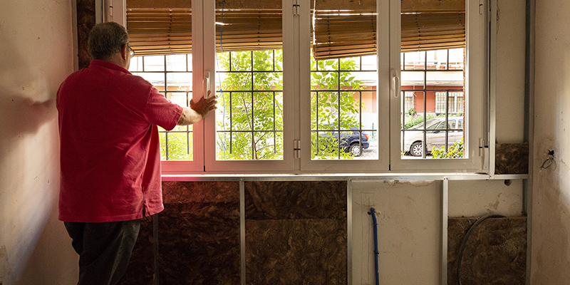 Naturgy implica a sus empresas colaboradoras en la rehabilitación energética de viviendas vulnerables