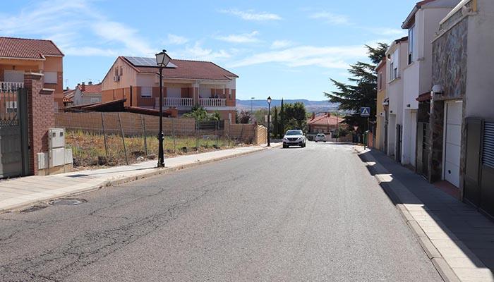 Obras de renovación en Cabanillas en un tramo de la calzada de la Carretera de Marchamalo