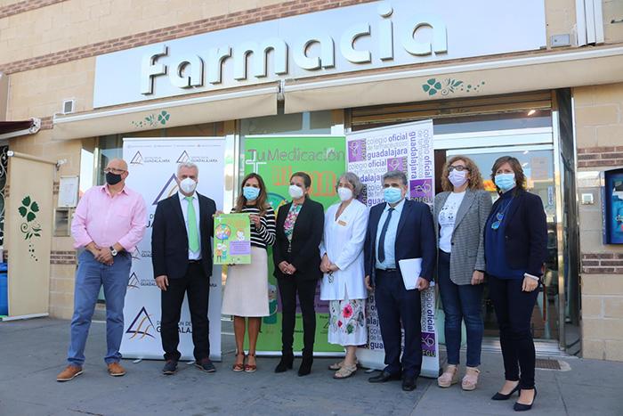 """Diputación, Junta de Comunidades y Colegio de Farmacéuticos de Guadalajara ponen en marcha """"Tu Medicación al Día"""""""