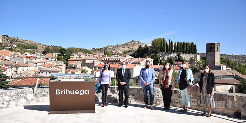 Franco valora la adhesión del Castillo de la Piedra Bermeja de Brihuega a la Red Nacional de Patrimonio Histórico