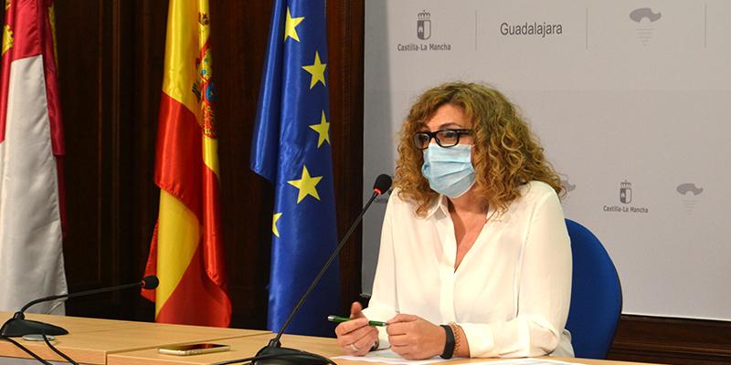 La delegada de Igualdad destaca el compromiso del Gobierno regional con los recursos destinados a mujeres en Guadalajara