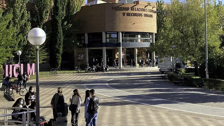 La UCLM abre hasta el 2 de octubre el plazo extraordinario de matrícula en estudios de grado para alumnos de nuevo ingreso