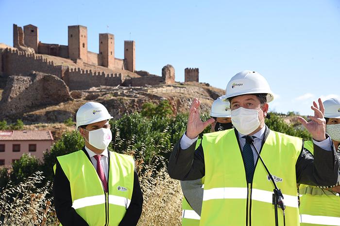 """Page reivindica en Molina de Aragón políticas turísticas """"que crean en Paradores"""" frente a las que """"consisten en clausurarlos"""""""