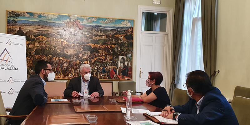 Vega pide una reunión al ministro de Transportes para recuperar las frecuencias ferroviarias en la provincia