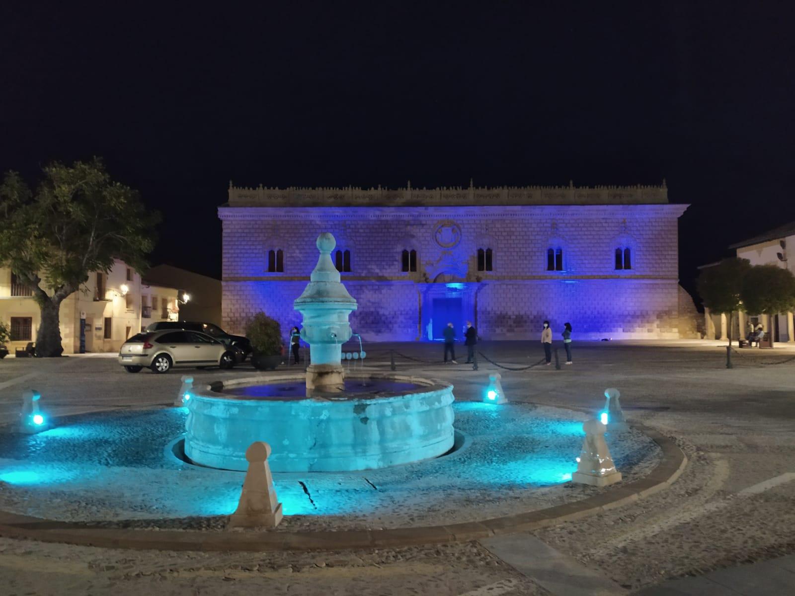 Cogolludo se sumó a #UnidosPorLaDislexia iluminando de azul su Palacio y fuente